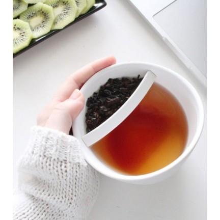mug-avec-infuseur-a-the-avant-gardiste